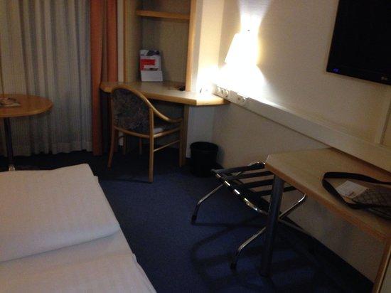 InterCityHotel Frankfurt: Das alte Zimmer