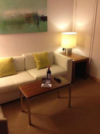Park Plaza County Hall London: Lounge area