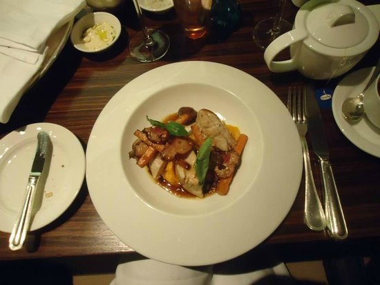 Scala - Chef kitchen & bar: Pan Seared Chicken Breast