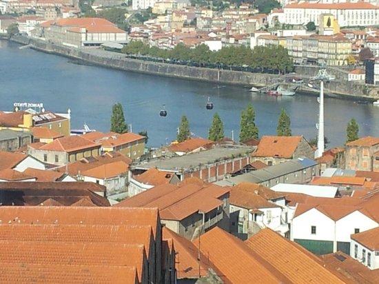 The Yeatman : Cabines du téléphérique pour balade au dessus du Douro