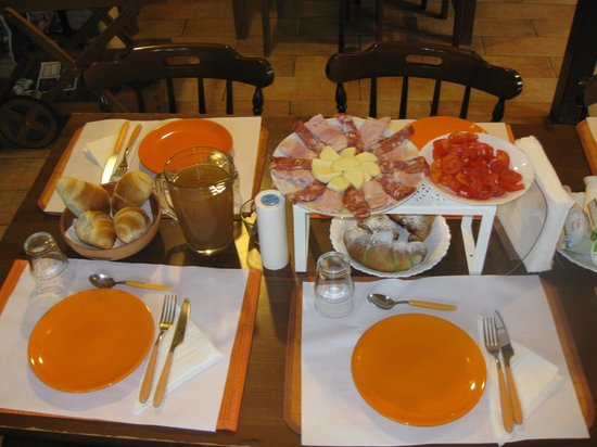 B&B Sotto il Vulcano: antoher part of the excellent breakfast