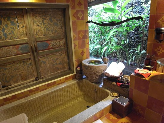 Hotel Tugu Bali : in-room bathroom