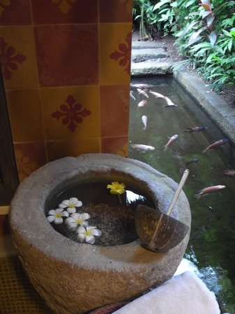 Hotel Tugu Bali : Scene from bathroom