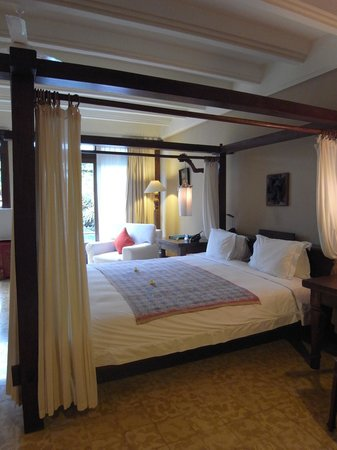 Hotel Tugu Bali : bed in-room