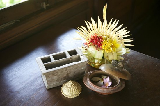 Hotel Tugu Bali : In-room daily decoration
