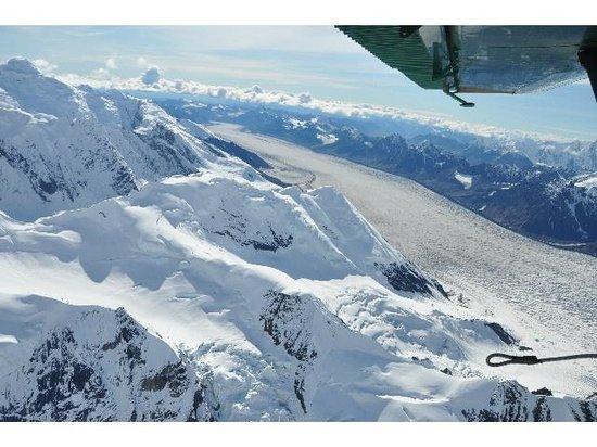 Talkeetna Air Taxi: High mountains and a glacier tongue