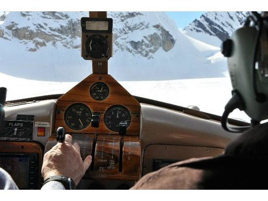 Talkeetna Air Taxi: On the final for the glacier