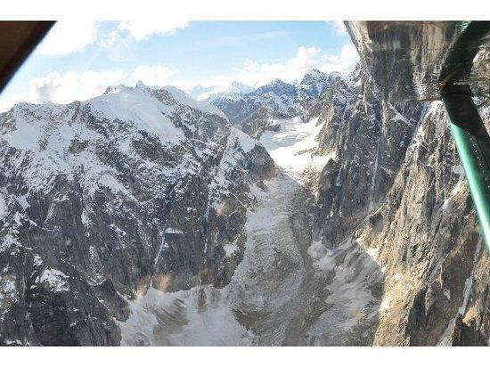 Talkeetna Air Taxi: Ice and rock walls