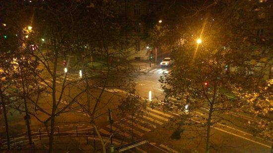 Hotel L'interlude: vista desde la habitación de noche