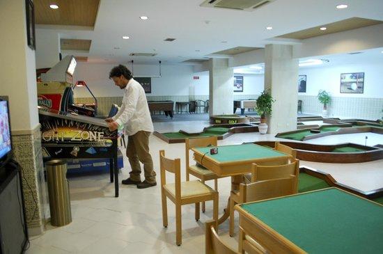 Hotel Apartamento Brisa Sol: sala de juegos