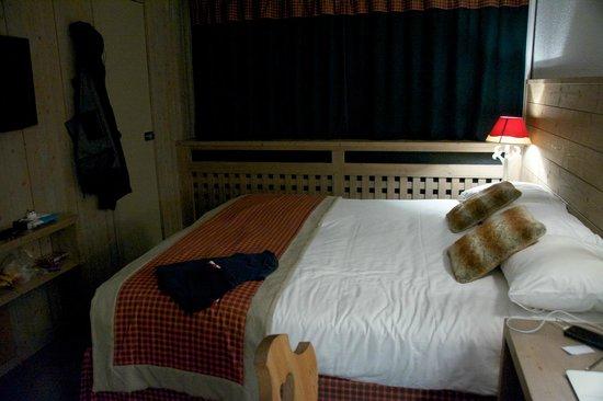 Arcadien Hotel & Spa : Room 202 December 2013