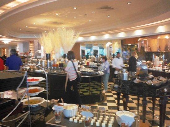 Plaza Athenee Bangkok, A Royal Meridien Hotel: Breakfast and more Breakfast