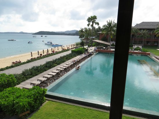 Hansar Samui Resort : Strand und Pool