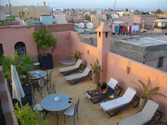 Riad Alboraq: La terrasse ensoleillée