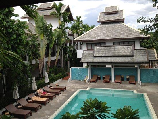 Rimping Village: Central pool terrace