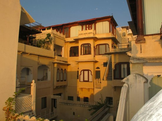 Kankarwa Haveli: Upper suites and rooms
