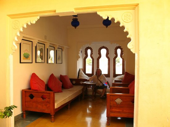 Kankarwa Haveli : A social area next to rooms and view of lake