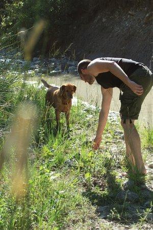 La Roseraie-Drôme : Spelen met Aya