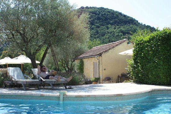 La Roseraie-Drôme : Studio Le Tilleul