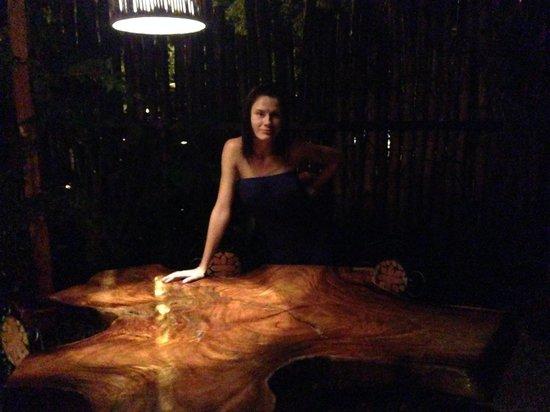 al chile viola: Original furniture