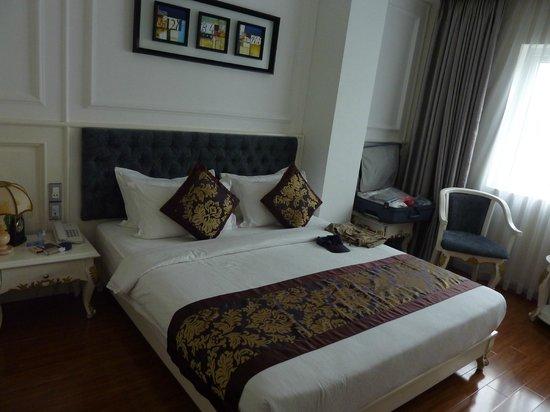 Alagon Saigon Hotel & Spa : ChambrePremium avec parquet