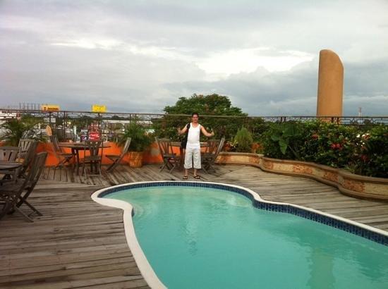 Hotel La Aurora: La piscina