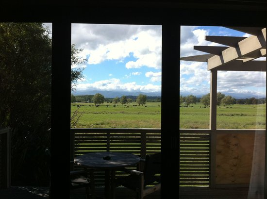 Peppers Parehua Martinborough: View looking out from lounge