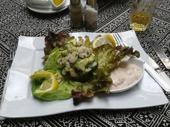Angsana Riads Collection Morocco : Beautiful avocado and prawn salad.