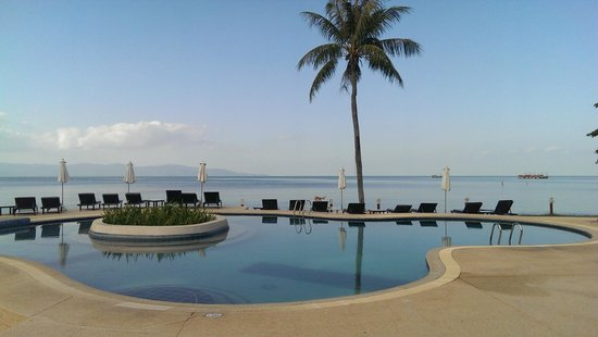 Buri Beach Resort : Awesome pool view from the restaurant