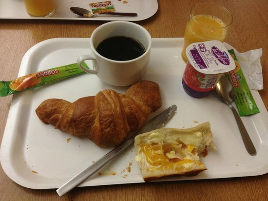 B&B Hotel Chartres Le Coudray : Breakfast