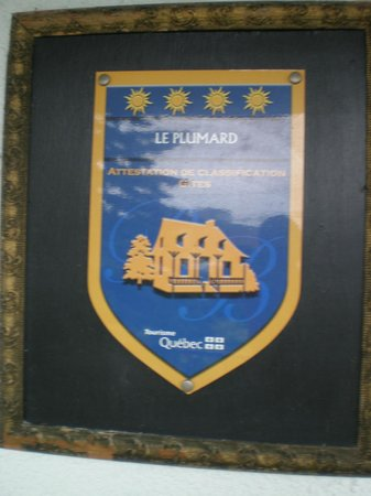 Le Plumard: Remember the name while in Levis or Quebec City, you can't go wrong staying here during your vis