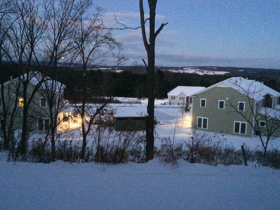 Country Inn & Suites By Carlson, Ithaca : vista da janela da suite nas primeiras horas da manhã