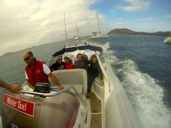 FuerteCharter: water taxi