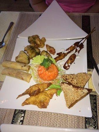 Wendy's Thai Fusion: Starter platter on the sunday buffet