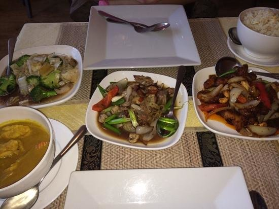 Wendy's Thai Fusion: Selection of Sunday buffet dishes
