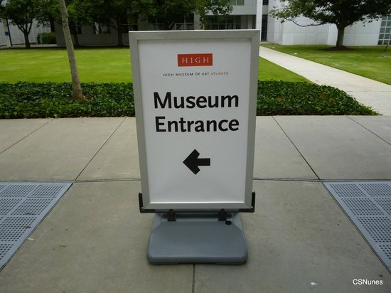 High Museum of Art: Visitors come through Woodruff Arts Center to access the High's Entrance.