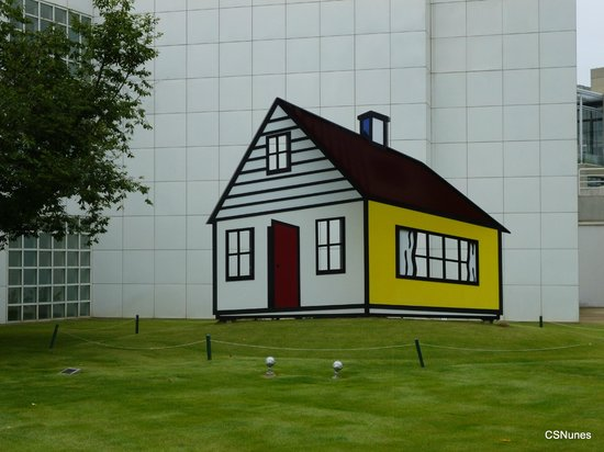 High Museum of Art: This captivating artwork by Roy Lichtenstein (2002) is seen at the right side of High's entrance