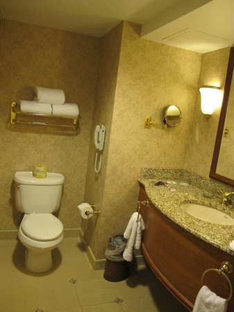 Harrah's Resort Atlantic City: Luxuous bathroom