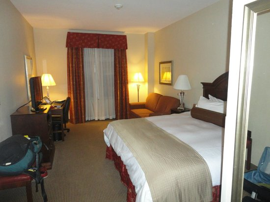Inn At Usc Wyndham Garden: Room
