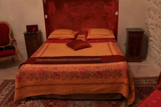 Carnas, France : Le lit