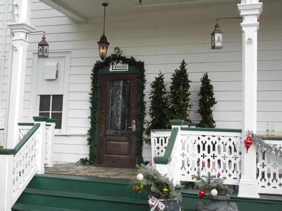 Elaine's Bed & Breakfast Inn: Front door