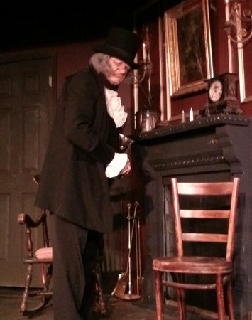 Elaine's Bed & Breakfast Inn : Scrooge
