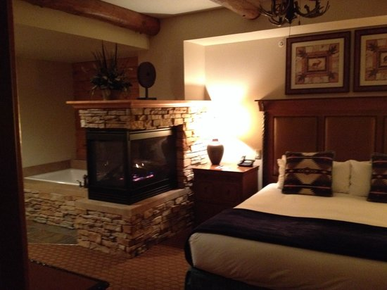 Lodges at Timber Ridge Branson: Nice bedroom!