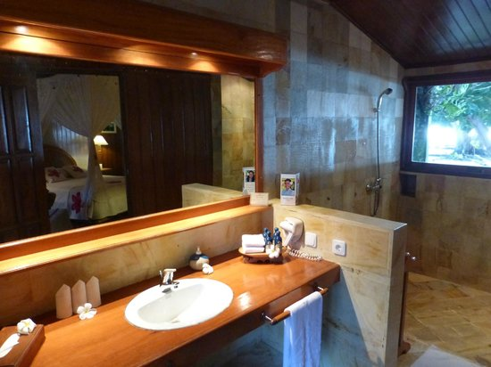 Gangga Island Resort & Spa : Bathroom