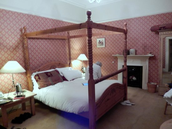 Dufferin Coaching Inn: Bedroom