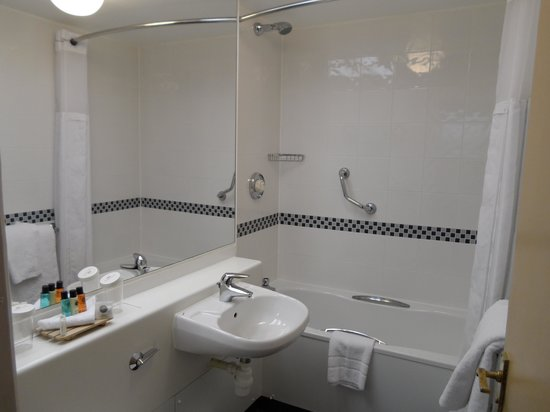 Crowne Plaza Manchester Airport: Bathroom