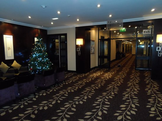 Crowne Plaza Manchester Airport : Lobby