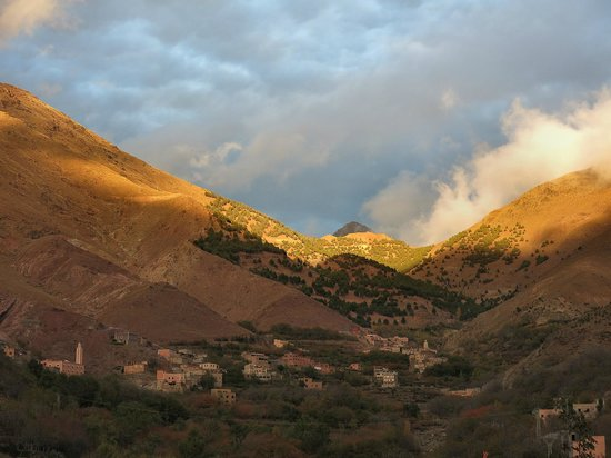 Riad Atlas Toubkal : View from our balcony to one of the passes