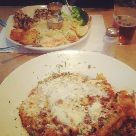 Restaurant John Le Grec: lasagna - Chicken & Butterfly Shrimp