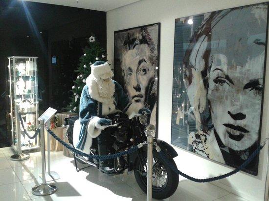 NH Berlin Kurfürstendamm: Christmas in the foyer